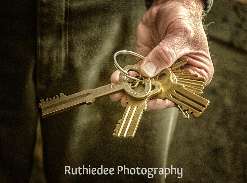 The warden's keys...