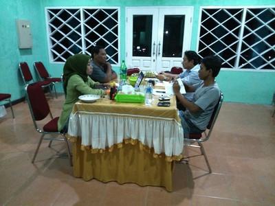 Werkoverleg Yayasan Saloi met de Dinas Kesehatan