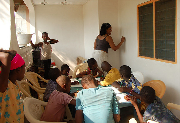 In the afternoons, I would have the kids come to the house so they could learn in peace. The little ones were a bit of a distraction. Look at them, so eager to learn!