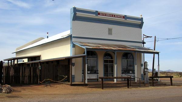 Pearce (Simi Ghost Town)