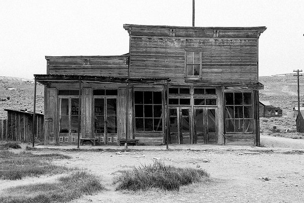 Wheaton & Hollis Hotel and Bodie Store.