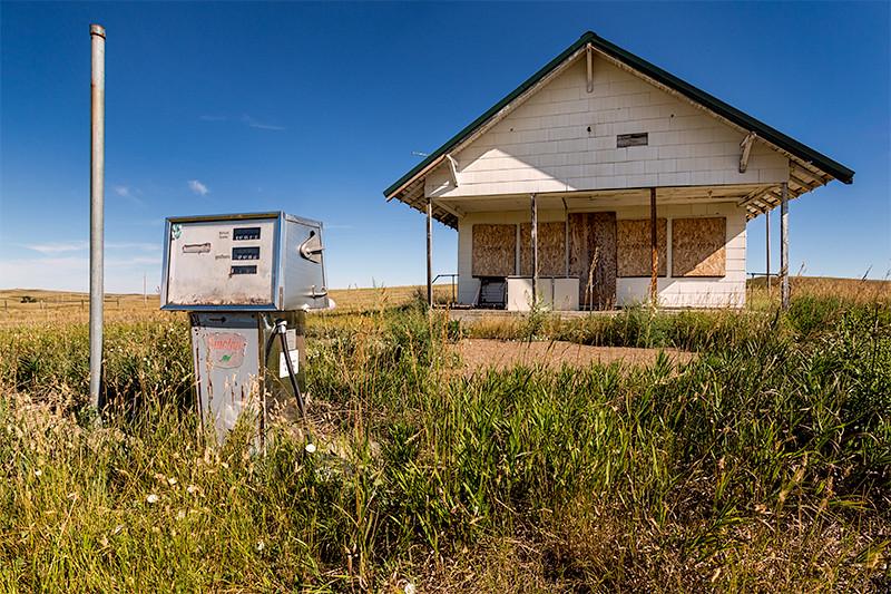 Abandoned Gas Station, Trotters, North Dakota