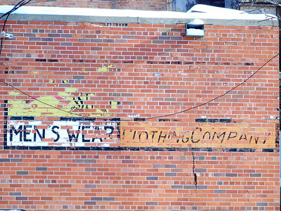 Clothing ghostsign Aberdeen, SD Photo by Dan Garner