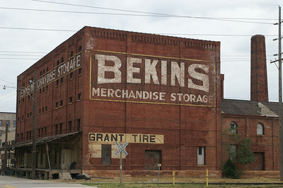 Large ad for Bekins Mechandise Storage in Sioux City, IA