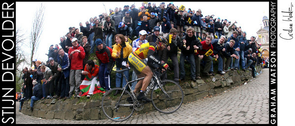 Stijn Devolder attacks in the 2008 Tour of Flanders.