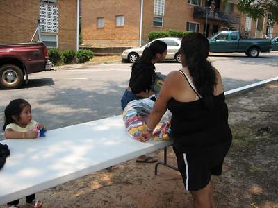 FBC Mountain Park clothes donation to Azalea Mission