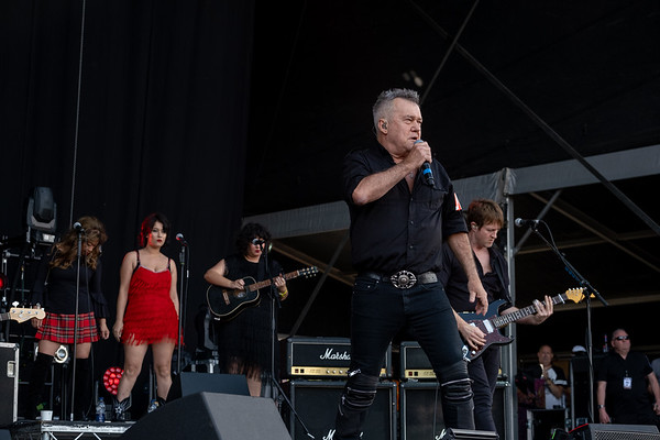 Jimmy Barnes with Band