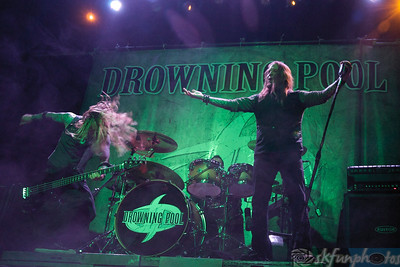 DROWNING POOL Show 2011 3-17-11 photos By: Stu Kennedy