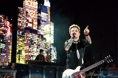 GREEN DAY: Performs at Comfort Dental Amphitheater, 8-28-10