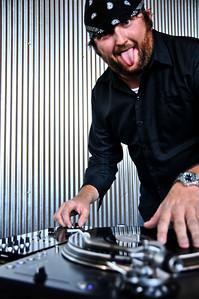 DJ IZ