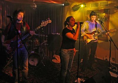 2005-02-04 Doghouse, Bandits