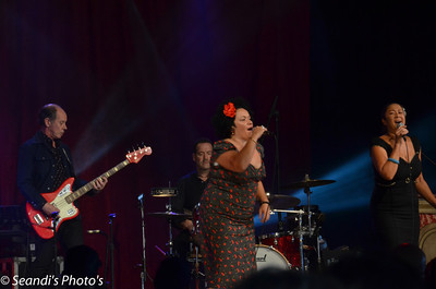 Vika and Linda Bull on Rockwiz