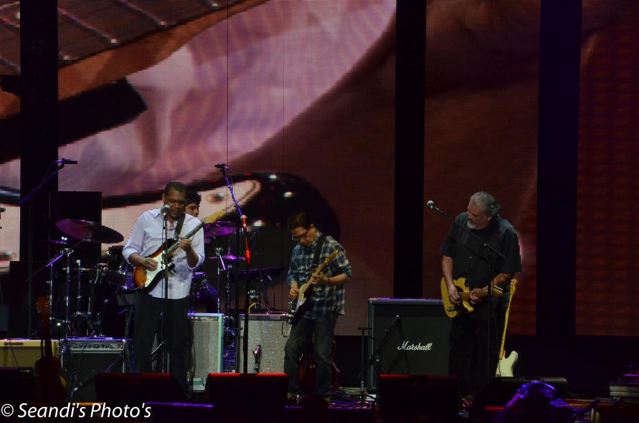 Los Lobos with Robert Cray
