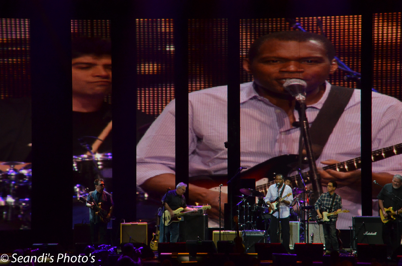 Los Lobos with Robert Cray