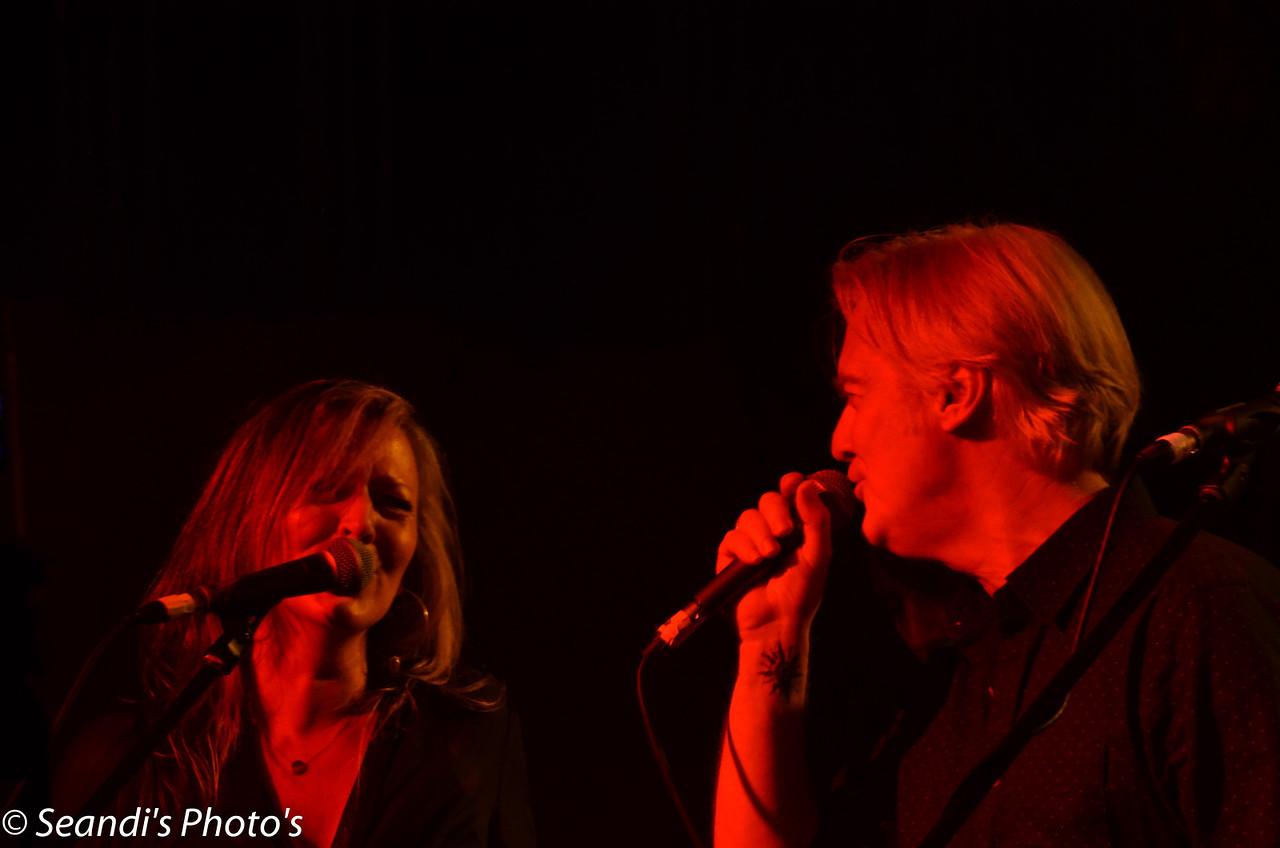 Tracy Kingman (v), Mick Pealing (v)