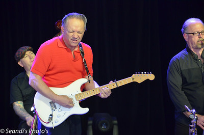 Jimmie Vaughan & The Tilt-A-Whirl Band @ Bluesfest