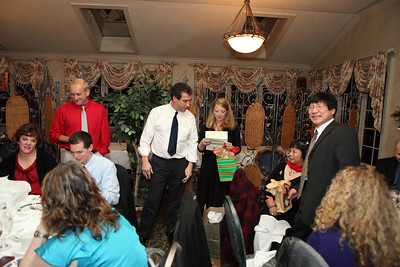 Gilead Holiday Party-jlb-12-03-11-1404