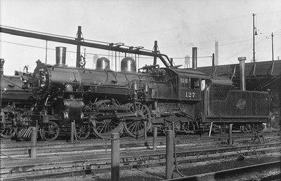 2014.015.01.1225--gilford heath 116 COPY neg--C&NW--steam locomotive 4-4-2 D 127--Chicago IL--no date