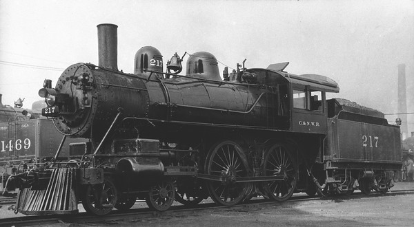 2014.015.01.0093--gilford heath COPY neg--C&NW--steam locomotive 217--Chicago IL--no date