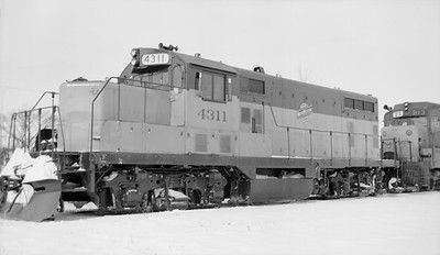 2014.015.02.0188--gilford heath 116 neg--C&NW--diesel locomotive 4311--Madison WI--1972 1217