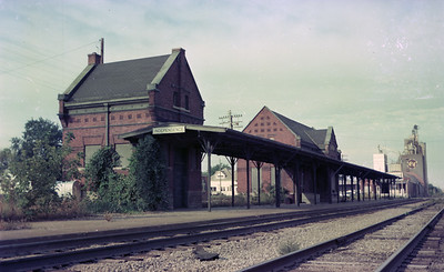 2014 015 11 0462--gilford heath 116 neg--ICRR--depot--Independence IA--1976 0913