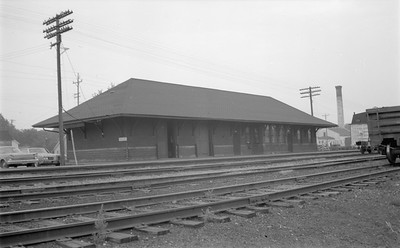 2014 015 11 0469--gilford heath 116 neg--SOO--depot--Burlington WI--1971 0819