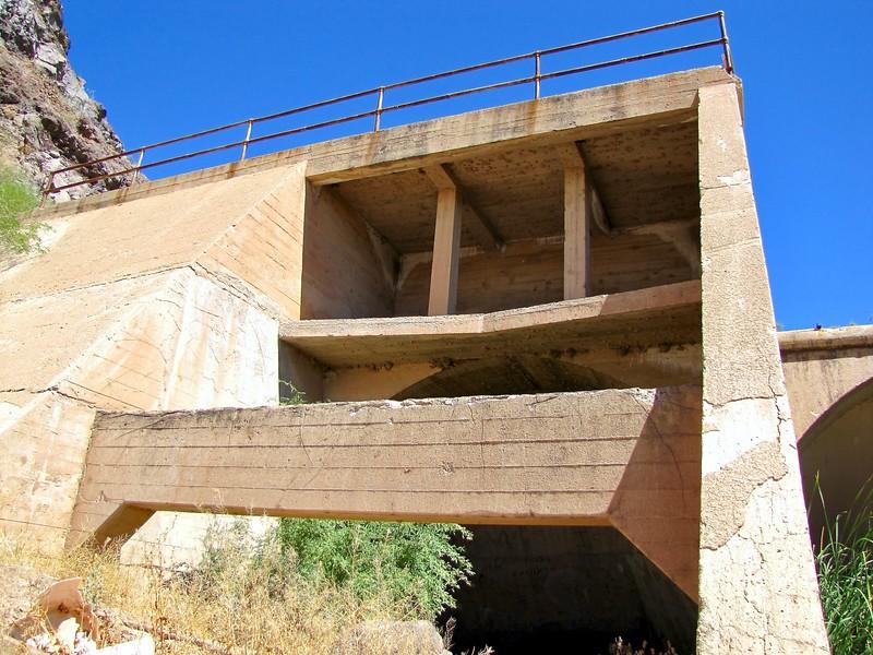 Gillespie Dam spillway (2010)