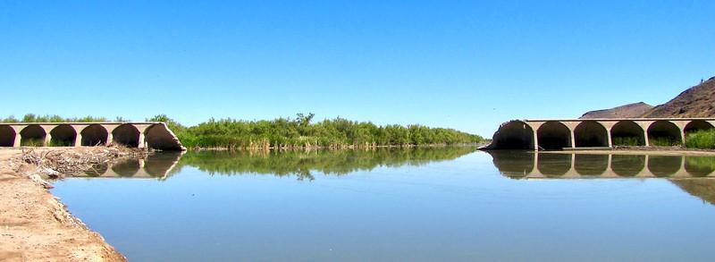 Gillespie Dam on the Gila River (2010)