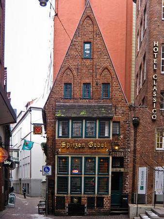 Spitzen Gebel Gothic townhouse from the 14th century with Auslucht - ground level bay windows Bremen Germany