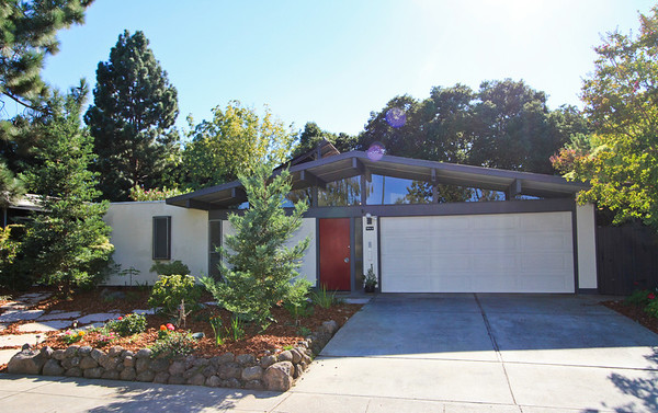 953 Eichler Dr, Mountain View