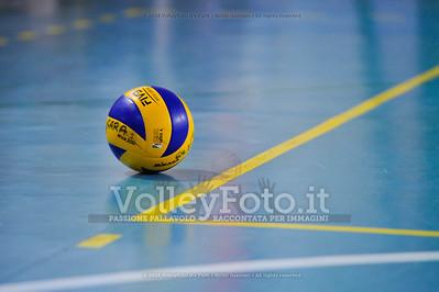 """Volley 4 strade Rieti - Mesagne Volley   5º Torneo Nazionale Pallavolo Under 16 Femminile """"Edil Rossi per lo sport"""" Memorial """"Tomasso Sulpizi"""" - Seconda fase: quarti e semifinali (id: 2013.12.28._MBD9335)"""