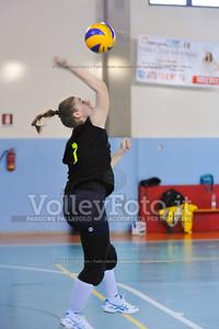 """Volley 4 strade Rieti - Mesagne Volley   5º Torneo Nazionale Pallavolo Under 16 Femminile """"Edil Rossi per lo sport"""" Memorial """"Tomasso Sulpizi"""" - Seconda fase: quarti e semifinali (id: 2013.12.28._MBD9366)"""