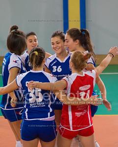 Cortona Volley, abbraccio