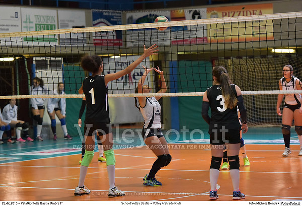School Volley Bastia - Volley 4 Strade Rieti 7º Trofeo Nazionale Under 16 Femminile - 5º Memorial Tomasso Sulpizi.  PalaGiontella Bastia Umbra PG, 28 Dicembre 2015. FOTO: Michele Benda © 2015 Volleyfoto.it, all rights reserved [id:20151228.MB2_2279]