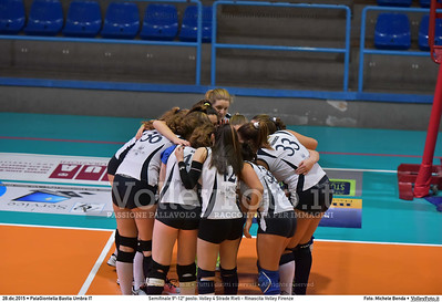 Semifinale 9º-12º posto: Volley 4 Strade Rieti - Rinascita Volley Firenze 7º Trofeo Nazionale Under 16 Femminile - 5º Memorial Tomasso Sulpizi.  PalaGiontella Bastia Umbra PG, 28 Dicembre 2015. FOTO: Michele Benda © 2015 Volleyfoto.it, all rights reserved [id:20151228.MB2_2428]