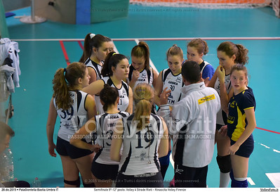 Semifinale 9º-12º posto: Volley 4 Strade Rieti - Rinascita Volley Firenze 7º Trofeo Nazionale Under 16 Femminile - 5º Memorial Tomasso Sulpizi.  PalaGiontella Bastia Umbra PG, 28 Dicembre 2015. FOTO: Michele Benda © 2015 Volleyfoto.it, all rights reserved [id:20151228.MB2_2422]