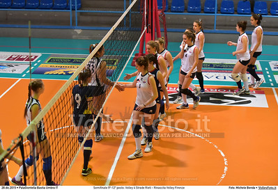 Semifinale 9º-12º posto: Volley 4 Strade Rieti - Rinascita Volley Firenze 7º Trofeo Nazionale Under 16 Femminile - 5º Memorial Tomasso Sulpizi.  PalaGiontella Bastia Umbra PG, 28 Dicembre 2015. FOTO: Michele Benda © 2015 Volleyfoto.it, all rights reserved [id:20151228.MB2_2425]