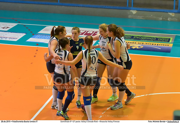 Semifinale 9º-12º posto: Volley 4 Strade Rieti - Rinascita Volley Firenze 7º Trofeo Nazionale Under 16 Femminile - 5º Memorial Tomasso Sulpizi.  PalaGiontella Bastia Umbra PG, 28 Dicembre 2015. FOTO: Michele Benda © 2015 Volleyfoto.it, all rights reserved [id:20151228.MB2_2446]