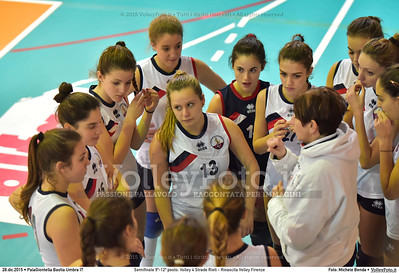 Semifinale 9º-12º posto: Volley 4 Strade Rieti - Rinascita Volley Firenze 7º Trofeo Nazionale Under 16 Femminile - 5º Memorial Tomasso Sulpizi.  PalaGiontella Bastia Umbra PG, 28 Dicembre 2015. FOTO: Michele Benda © 2015 Volleyfoto.it, all rights reserved [id:20151228.MB2_2433]