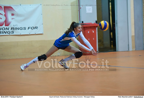 Quarti di finale: Pallavolo Fabriano Volley Insieme - Mesagne Volley 7º Trofeo Nazionale Under 16 Femminile - 5º Memorial Tomasso Sulpizi.  PalaSport Spello PG, 28 Dicembre 2015. FOTO: Maurizio Lollini © 2015 Volleyfoto.it, all rights reserved [id:20151228.DSC_4615]