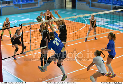 Semifinale: School Volley Bastia - BGV Pontedera 7º Trofeo Nazionale Under 16 Femminile - 5º Memorial Tomasso Sulpizi.  PalaGiontella Bastia Umbra PG, 28 Dicembre 2015. FOTO: Michele Benda © 2015 Volleyfoto.it, all rights reserved [id:20151229.MB2_3359]