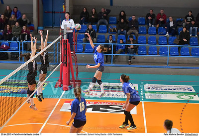 Semifinale: School Volley Bastia - BGV Pontedera 7º Trofeo Nazionale Under 16 Femminile - 5º Memorial Tomasso Sulpizi.  PalaGiontella Bastia Umbra PG, 28 Dicembre 2015. FOTO: Michele Benda © 2015 Volleyfoto.it, all rights reserved [id:20151229.MB2_3369]
