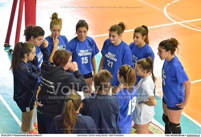 Semifinale: School Volley Bastia - BGV Pontedera 7º Trofeo Nazionale Under 16 Femminile - 5º Memorial Tomasso Sulpizi.  PalaGiontella Bastia Umbra PG, 28 Dicembre 2015. FOTO: Michele Benda © 2015 Volleyfoto.it, all rights reserved [id:20151229.MB2_3352]