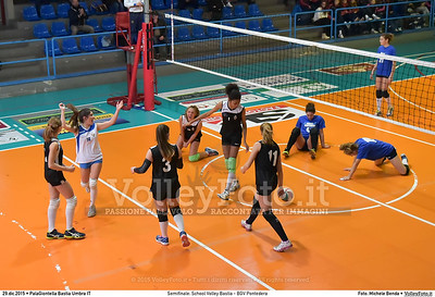 Semifinale: School Volley Bastia - BGV Pontedera 7º Trofeo Nazionale Under 16 Femminile - 5º Memorial Tomasso Sulpizi.  PalaGiontella Bastia Umbra PG, 28 Dicembre 2015. FOTO: Michele Benda © 2015 Volleyfoto.it, all rights reserved [id:20151229.MB2_3320]