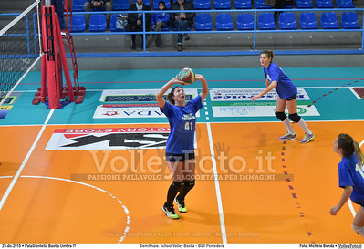 Semifinale: School Volley Bastia - BGV Pontedera 7º Trofeo Nazionale Under 16 Femminile - 5º Memorial Tomasso Sulpizi.  PalaGiontella Bastia Umbra PG, 28 Dicembre 2015. FOTO: Michele Benda © 2015 Volleyfoto.it, all rights reserved [id:20151229.MB2_3368]