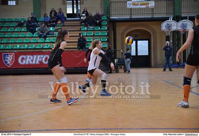 Semifinale 5º-8º: Volley Codogno 2002 - Mesagne Volley 7º Trofeo Nazionale Under 16 Femminile - 5º Memorial Tomasso Sulpizi.  PalaSport Spello PG, 29 Dicembre 2015. FOTO: Maurizio Lollini © 2015 Volleyfoto.it, all rights reserved [id:20151229.DSC_4956]