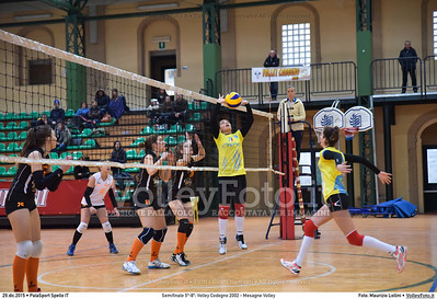 Semifinale 5º-8º: Volley Codogno 2002 - Mesagne Volley 7º Trofeo Nazionale Under 16 Femminile - 5º Memorial Tomasso Sulpizi.  PalaSport Spello PG, 29 Dicembre 2015. FOTO: Maurizio Lollini © 2015 Volleyfoto.it, all rights reserved [id:20151229.DSC_4936]