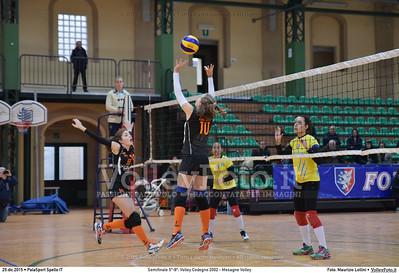 Semifinale 5º-8º: Volley Codogno 2002 - Mesagne Volley 7º Trofeo Nazionale Under 16 Femminile - 5º Memorial Tomasso Sulpizi.  PalaSport Spello PG, 29 Dicembre 2015. FOTO: Maurizio Lollini © 2015 Volleyfoto.it, all rights reserved [id:20151229.DSC_4986]