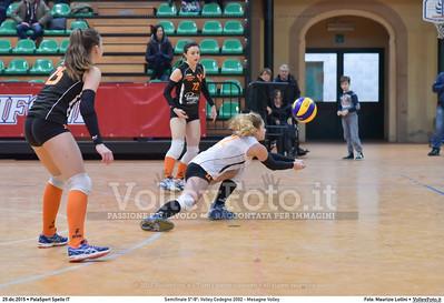 Semifinale 5º-8º: Volley Codogno 2002 - Mesagne Volley 7º Trofeo Nazionale Under 16 Femminile - 5º Memorial Tomasso Sulpizi.  PalaSport Spello PG, 29 Dicembre 2015. FOTO: Maurizio Lollini © 2015 Volleyfoto.it, all rights reserved [id:20151229.DSC_4963]