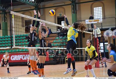 Semifinale 5º-8º: Volley Codogno 2002 - Mesagne Volley 7º Trofeo Nazionale Under 16 Femminile - 5º Memorial Tomasso Sulpizi.  PalaSport Spello PG, 29 Dicembre 2015. FOTO: Maurizio Lollini © 2015 Volleyfoto.it, all rights reserved [id:20151229.DSC_4941]